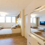 Panel lakás a város felett - nappali átalakítás | generálkivitelezés, belsőépítészeti átalakítás, Bergmann Kft. Tervezés, lakberendező: Flat Art 2000 Lakásművészeti Stúdió