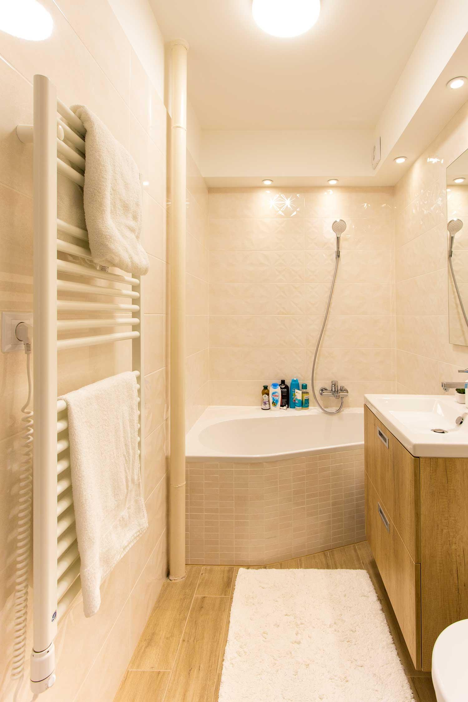 Panellakás a város felett - fürdőszoba, teljes átalakítás, díszítő ...